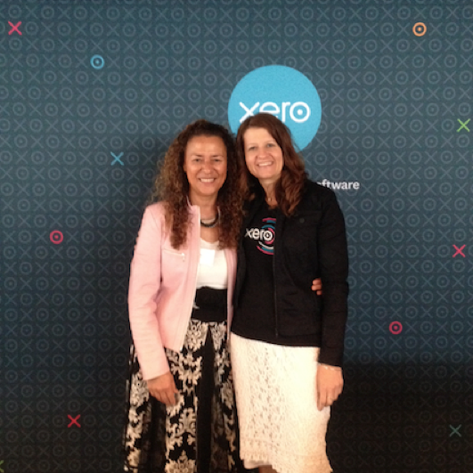 Gayle poses with Victoria Crone at the Xero Roadshow NZ in 2014
