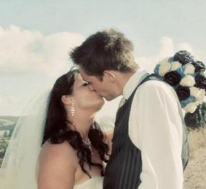 Joanne with her husband Justyn on their wedding day